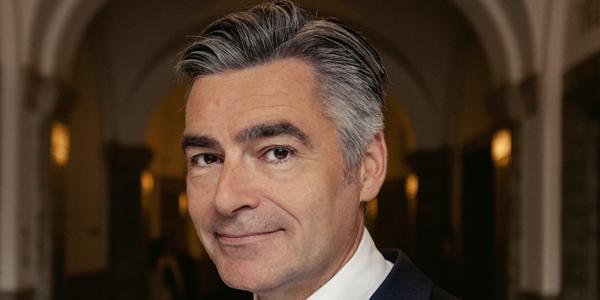 Cultuurwethouder Visser te gast in nieuw Politiek Letterencafé