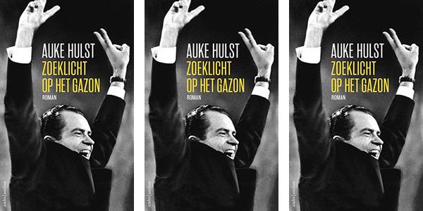 Auke Hulst_Zoeklicht-op-het-gazon-Nixon